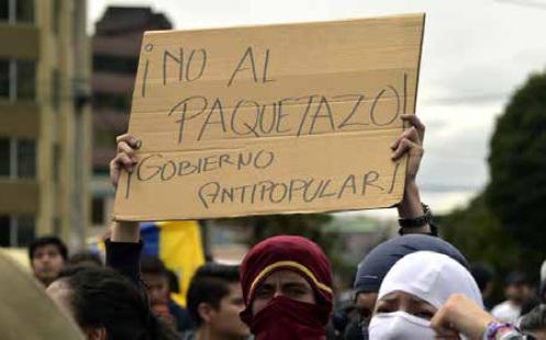 Protestas en Ecuador contra medidas económicas anunciadas por Moreno.