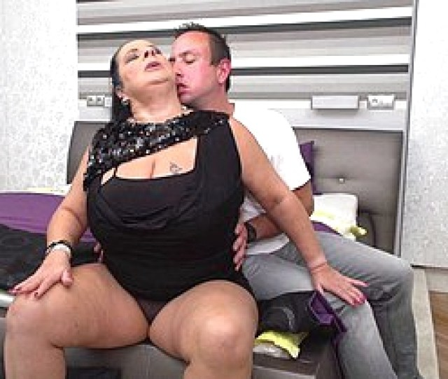 Big Breasted Mature Bbw Bringing About Her Toy Old Crumpet