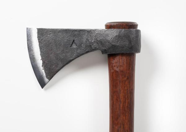 4990 - Tomahawk Side View