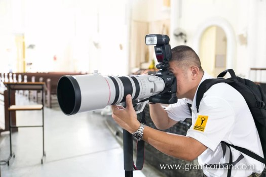Wedding Photographer with the first Canon 200-400 F4L in Malaysia
