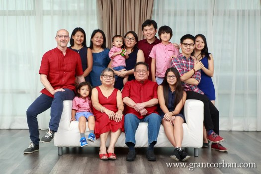 chinese new year reunion dinner family studio photographer in petaling jaya