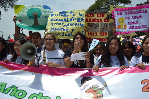 Children in Lima, Peru campaigning for a law outlawing corporal punishment. Photo by INFANT