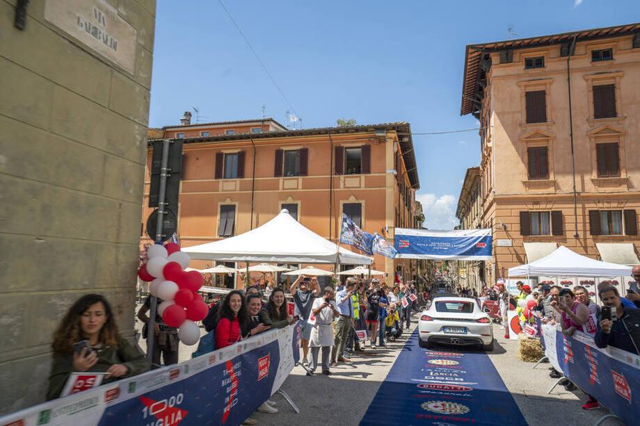 Il due torri hotel 3 stelle situato nel centro storico di roma, è a pochi passi da città del vaticano, san pietro e castel sant'angelo. Gran Turismo Due Miglia 2021 A Supercar Tour In Italy Following Mille Miglia Ferrari Included Gran Turismo Events