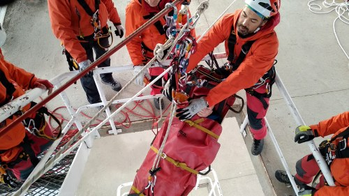 Principio de redundancia en sistemas de protección contra caídas