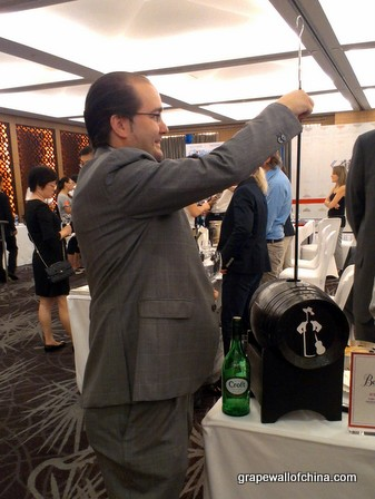 alejandro benitez ruiz venenciador gonzalez byass with croft at wine enthusiast hilton beijing (1)
