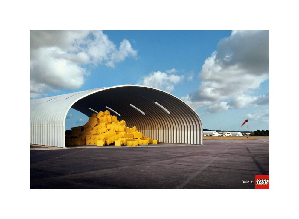 lego_hangar