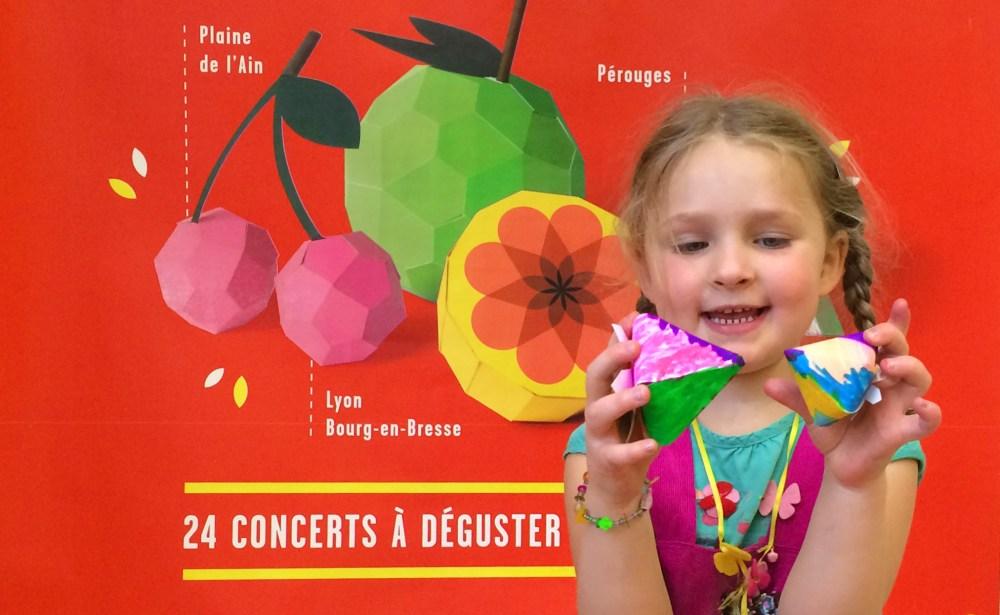 perouges-paper-fruits-enfants
