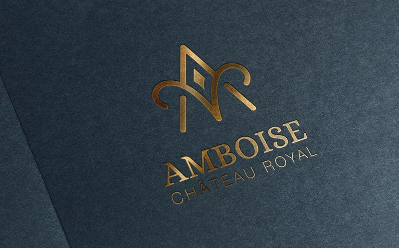 Le nouveau logo du château où Charles VIII mourut bêtement.