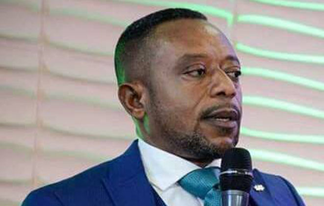 Youth attack Rev Owusu Bempah's church over death predictions (VIDEO)