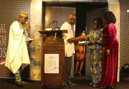 Director of News at GCGL, Mrs Mavis Kitcher (extreme right) and Hadiza Nuhhu Billa Quansah from The Mirror receiving the award on behalf of The Mirror