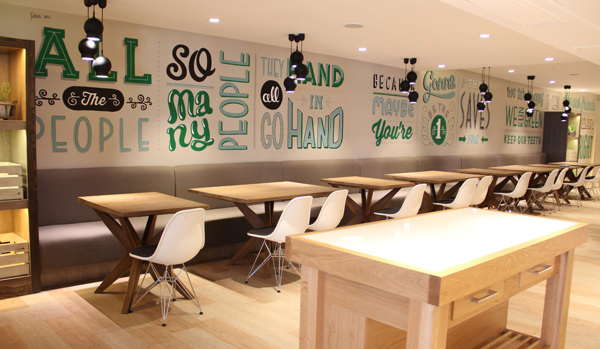 Holiday_Inn_typography_mural_18