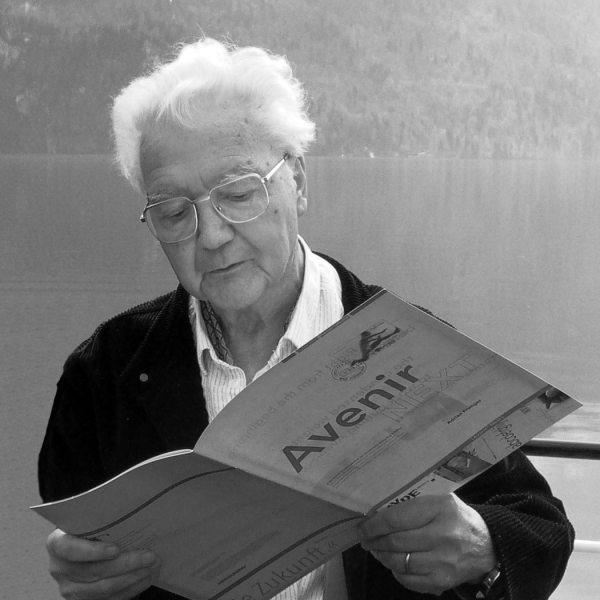 Adrian Frutiger in Interlaken, 2004 (photo by www.fontshop.com)