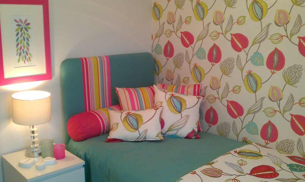 bedroom for girls with strips accent and lovely wallpaper also good lighting