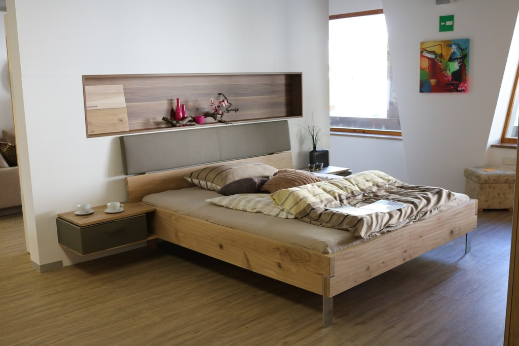 Bedroom Designs for Small Rooms with shelving and bedside table
