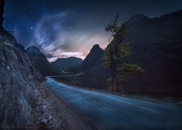 André Alessio, Graphylight, Dong Van, Vietnam, Nuit, Night, Stars, Etoiles, Route, Pose longue