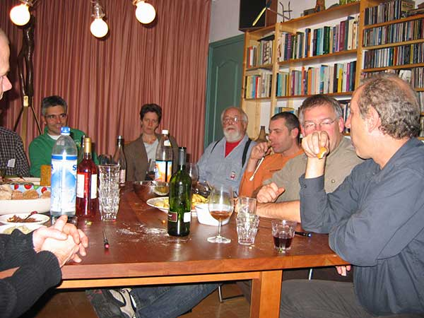aan de borreltafel bij Piet en Ingrid