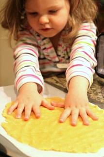 making almond flour crackers