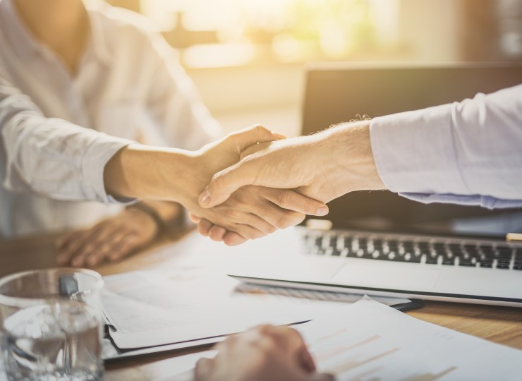 Gratis-Recruitment-First-Point-of-Contact