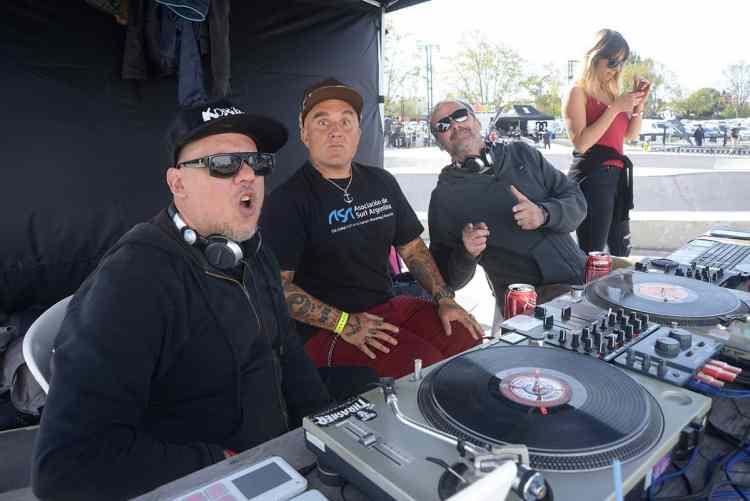 Sr Flavio en la cabina de DJ's ORDIE