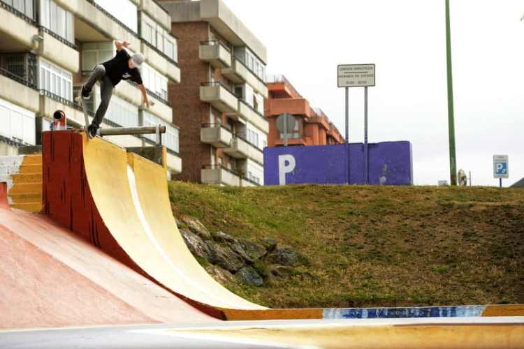 braulio sagas-backside-blunt-transfer-bilbao-PH: gaston francisco