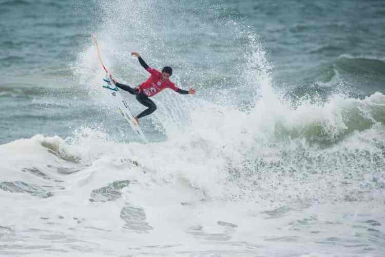 Filipe Toledo gana en Portugal y sube al 2do puesto del ránking del WCT