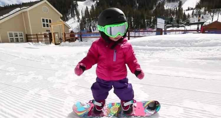 Aspen, la snowboarder de 17 meses de vida