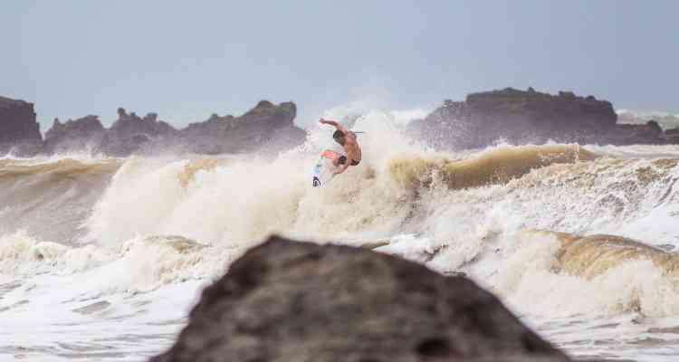 warm up surf trip