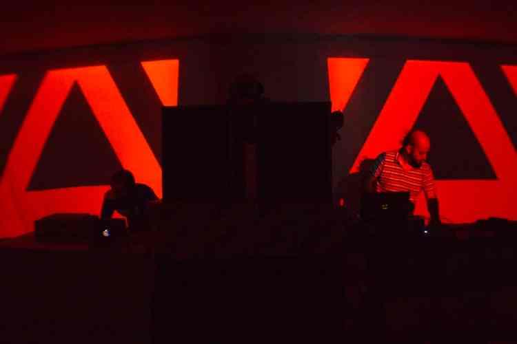 Artbox-La-Cultura-Subterranea-Tucuman-Gravedad-Zero-Tv-01-Andres-Ciambotti