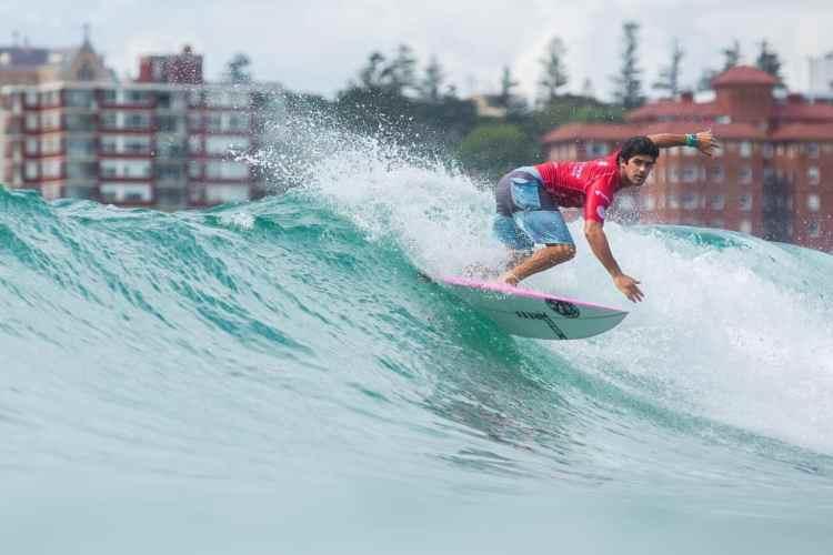 aos16_day4_surf-lucas_palma-manuel_selman-4__large