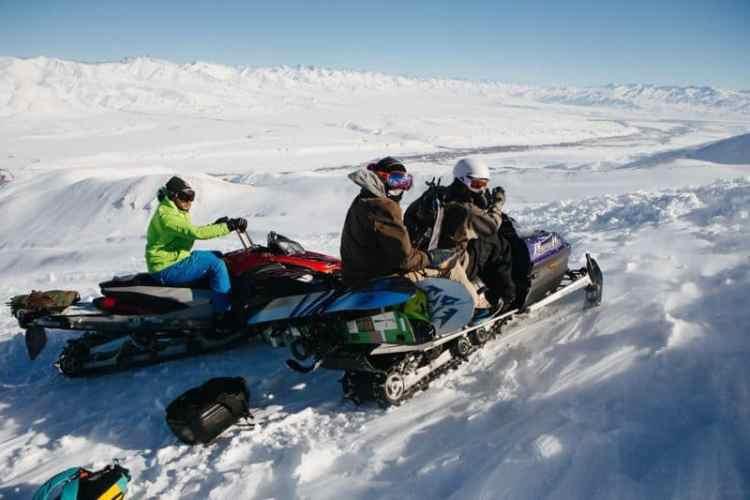 http---coresites-cdn.factorymedia.com-mpora_new-wp-content-uploads-2016-02-Cat-skiing-Snowboarding-in-Kyrgyzstan-2016-Dan-Medhurst-7778
