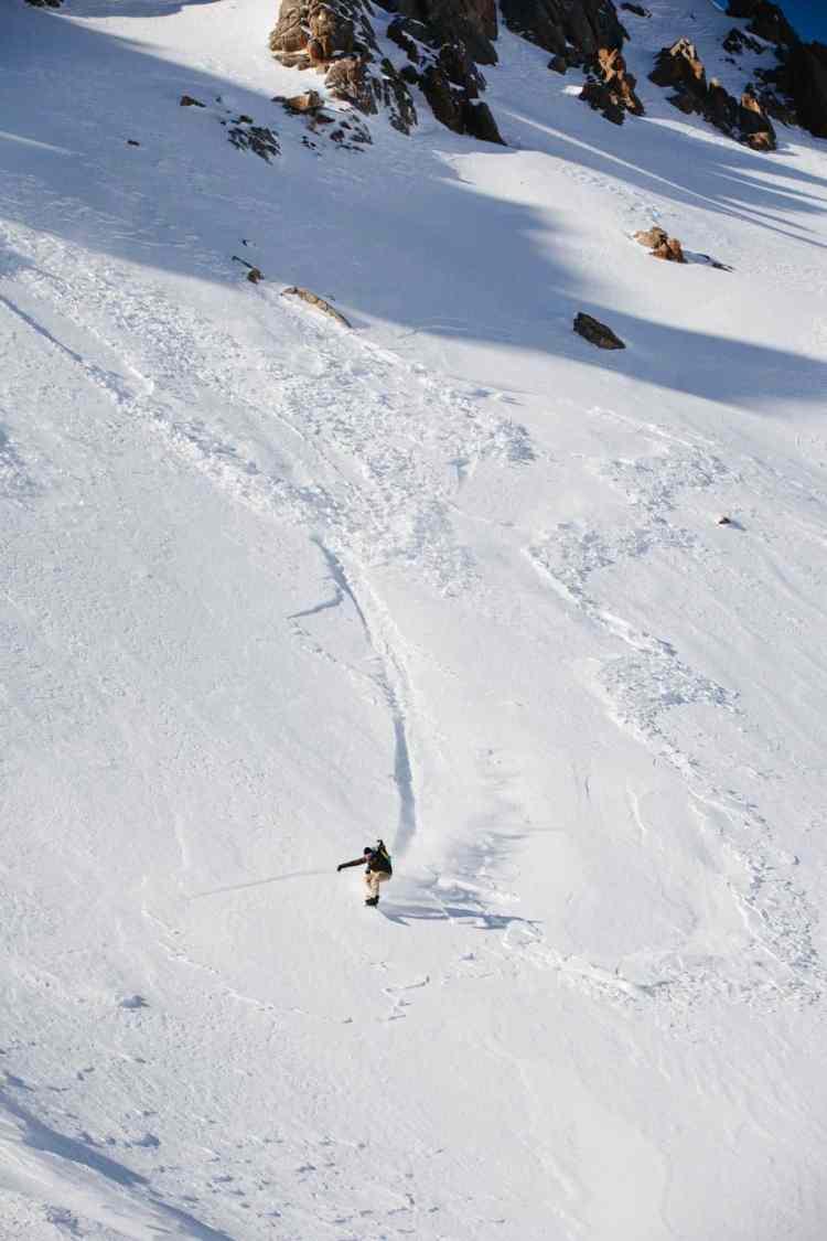 http---coresites-cdn.factorymedia.com-mpora_new-wp-content-uploads-2016-02-Cat-skiing-Snowboarding-in-Kyrgyzstan-2016-Dan-Medhurst-8311
