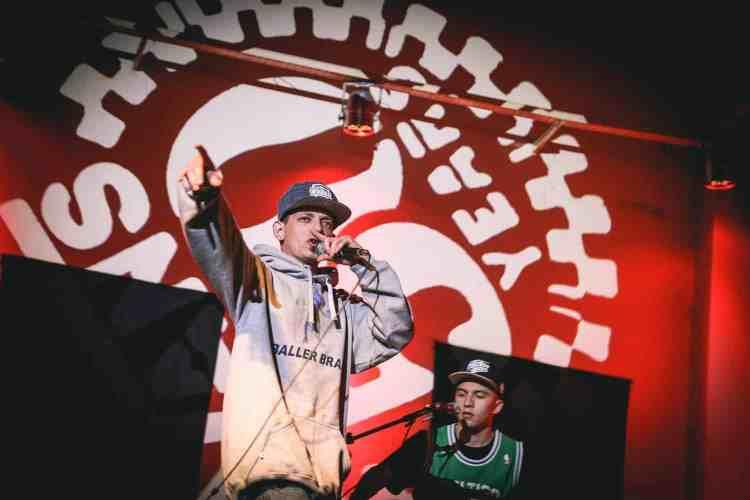 dtoke-hizo-un-workshop-de-rap-freestyle-y-tambien-canto-unos-temas-junto-a-alcazone
