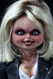 NECA Toys' Bride of Chucky life-size 1:1 scale Tiffany replica (face).