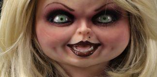 NECA Toys' Bride of Chucky life-size 1:1 scale Tiffany replica (face).