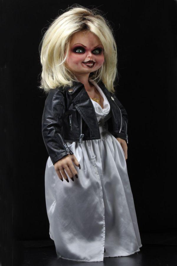 NECA Toys' Bride of Chucky life-size 1:1 scale Tiffany replica (angled right).