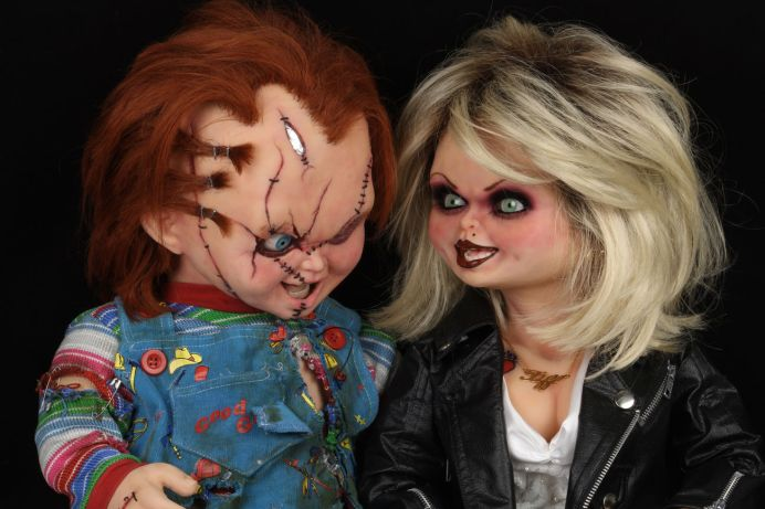 NECA Toys' Bride of Chucky Chucky life-size 1:1 scale replica with Tiffany.
