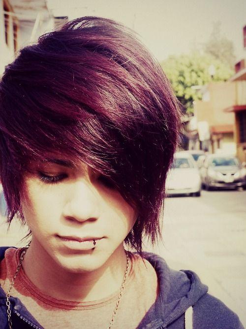 35 Fabulous Emo Hairstyles For Men Gravetics