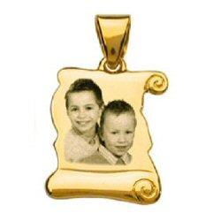 gravure photo d'un bijou en or