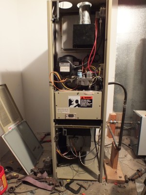 Snyder General  Gray Furnaceman Furnace Troubleshoot and