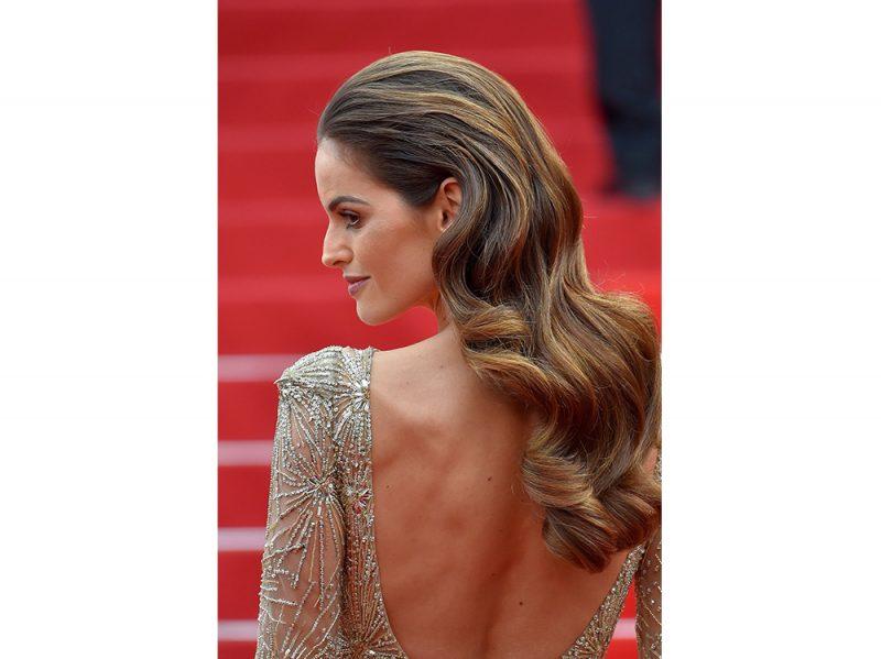 capelli castani delle star Izabel Goulart