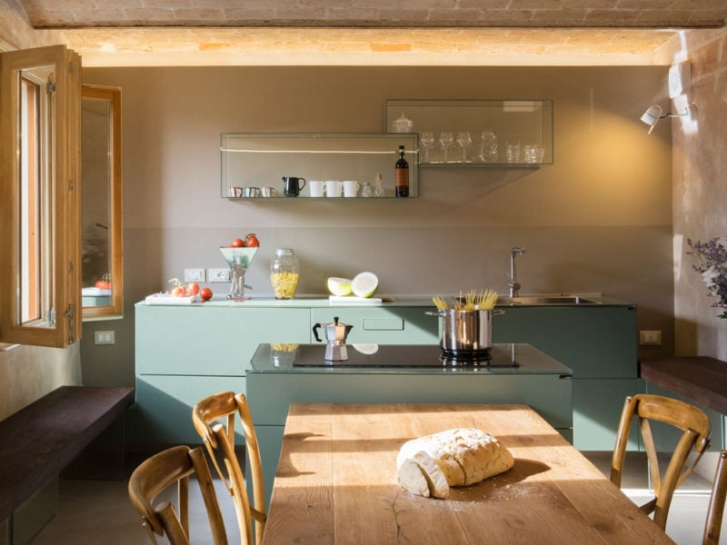 Scegliere il giusto colore per le pareti di casa non è semplice: Gli Abbinamenti Di Colori Piu Belli Nell Arredamento Della Cucina
