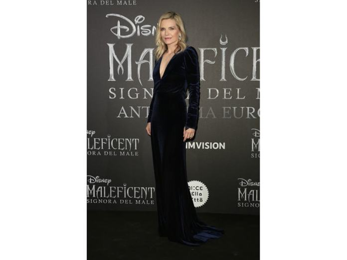 Michelle-Pfeiffer-in-Monique-Lhuillier-the-first-European-from–'Maleficent---Mistress-Of-Evil'