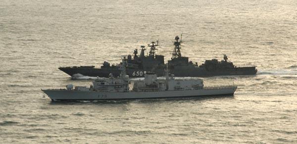 Великая страна СССР,Английский корабль «Портланд» и российский «Адмирал Чабаненко»