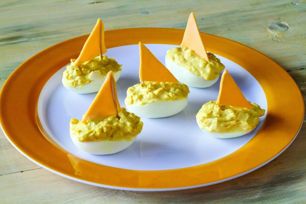 egg-sailboats