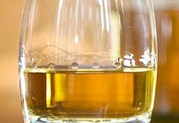 Scotch whisky exports to China plummet 30%