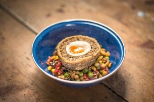 veggie-haggis-scotch-egg-spiced-corn-succotash-truffle-leek-ash-_4
