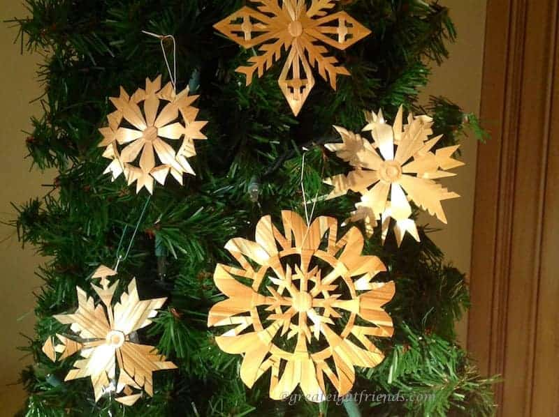 Christmas Traditions – Decorating for Christmas Lithuanian Style - Decorating For Christmas Lithuanian Style €� Great Eight Friends