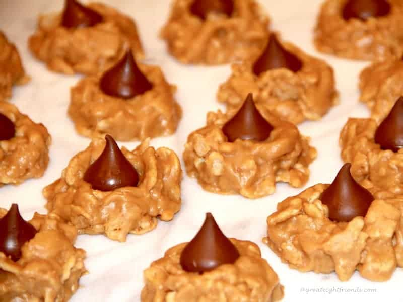 No-Bake Peanut Butter Kiss Cookies