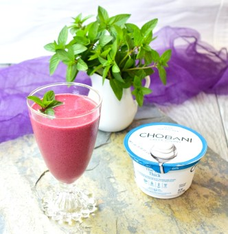 Mint Berry Yogurt Smoothie