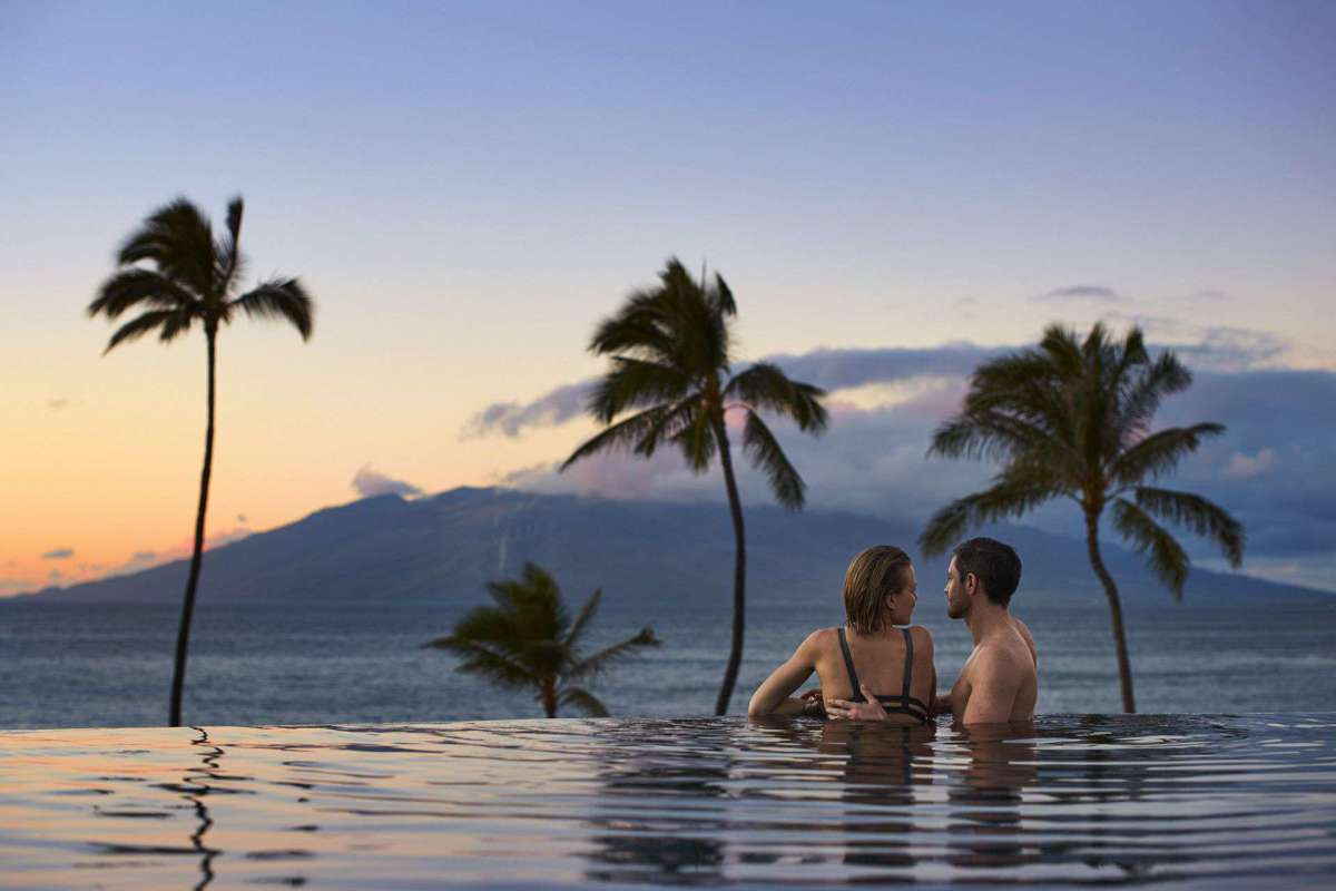 Hawaii Top 10 Honeymoon Places for a Couple to Visit
